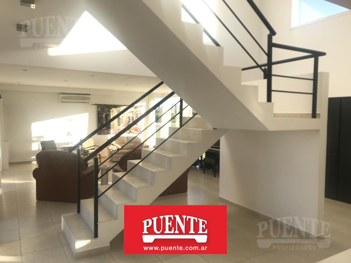 Foto Casa en Venta en  El Rebenque,  Canning  Casa en El Rebenque, entre el Acceso y el House