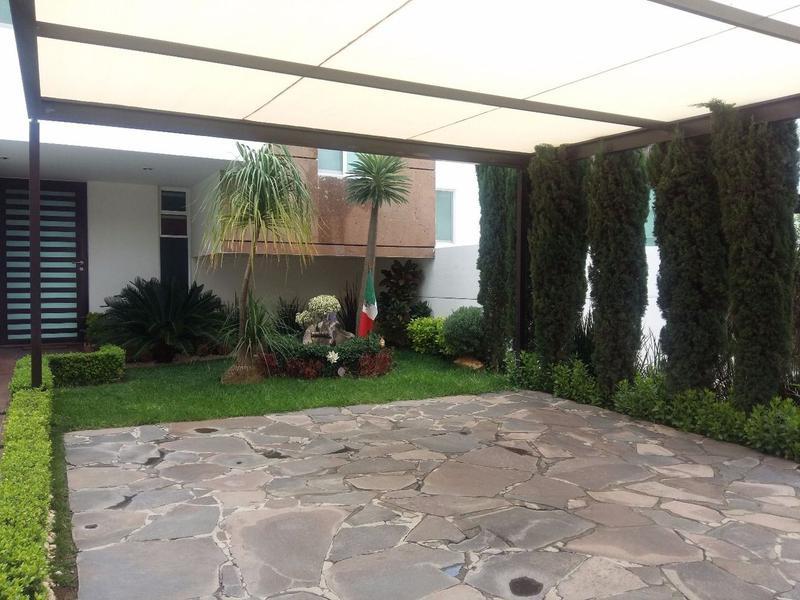 Casa en Venta con alberca Mirador de Gran Jardín León Gto.
