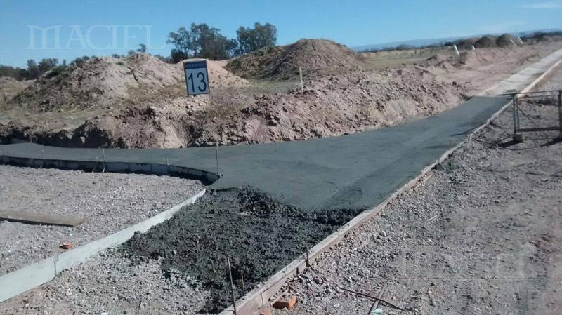 Foto Terreno en Venta en  Acquavista,  Malagueño  Autopista Cba- Carlos Paz,Acquavista – 150 mts Laguna, Lote 660 mt2, Fondo Norte - Financio