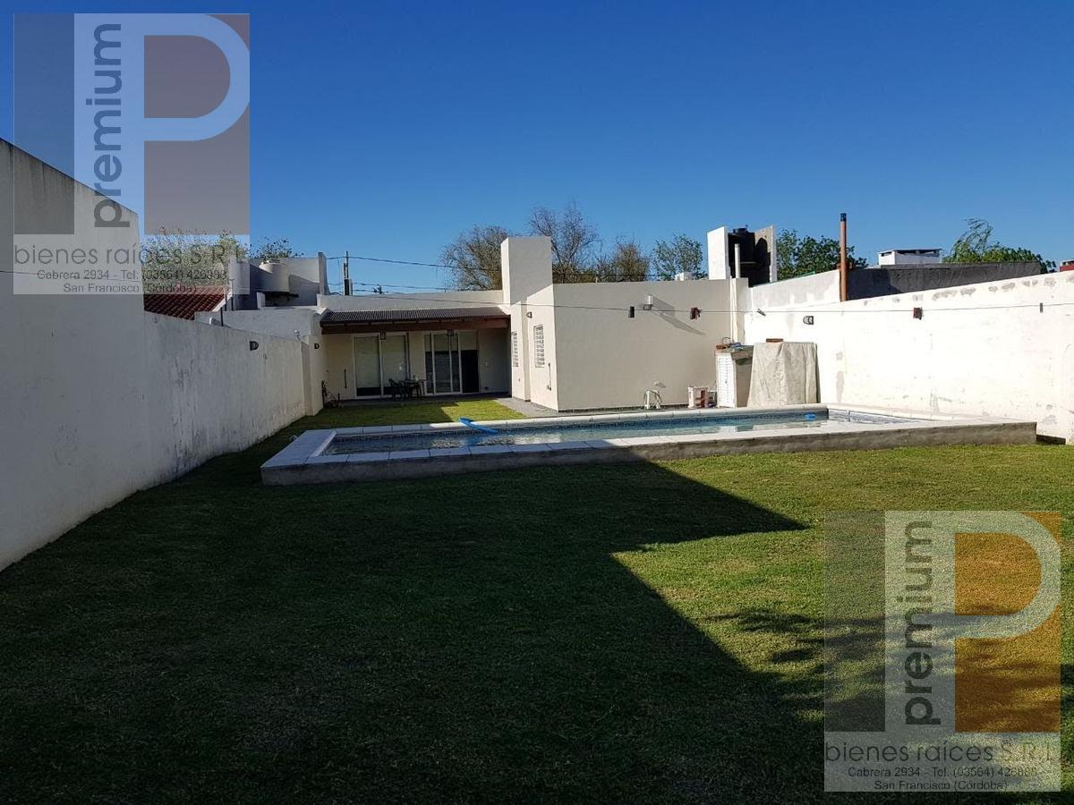 Foto Casa en Venta en  El Prado,  San Francisco  Los Paraísos al 1100