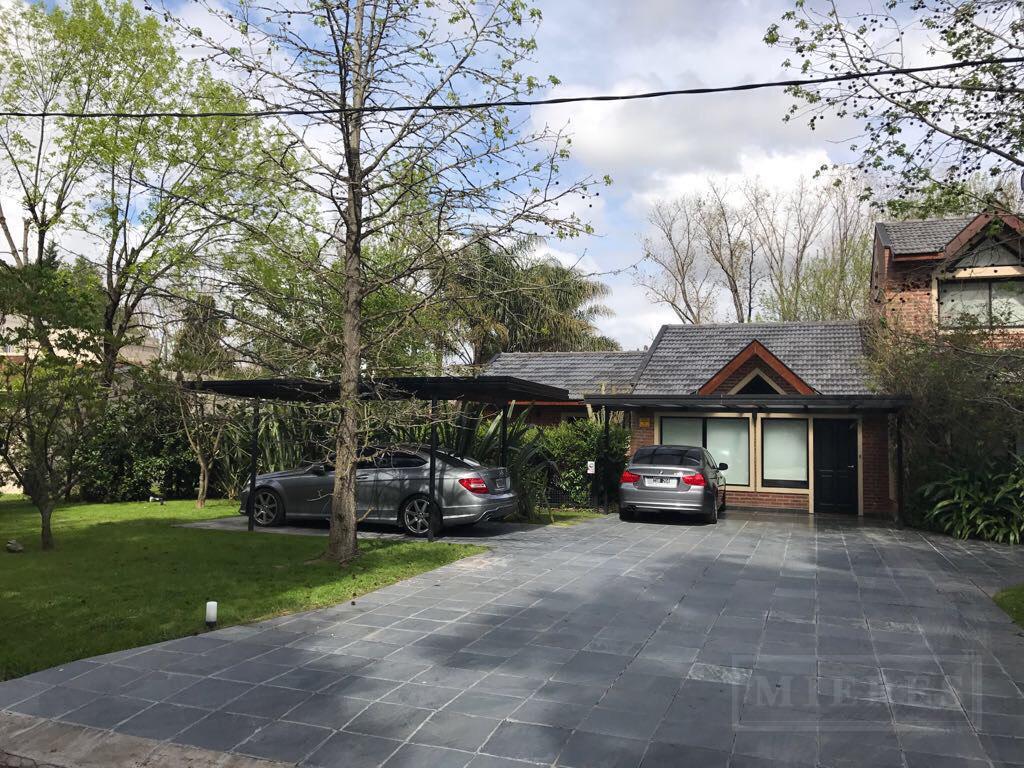 Casa de 400 mts en Highland Park C.C.