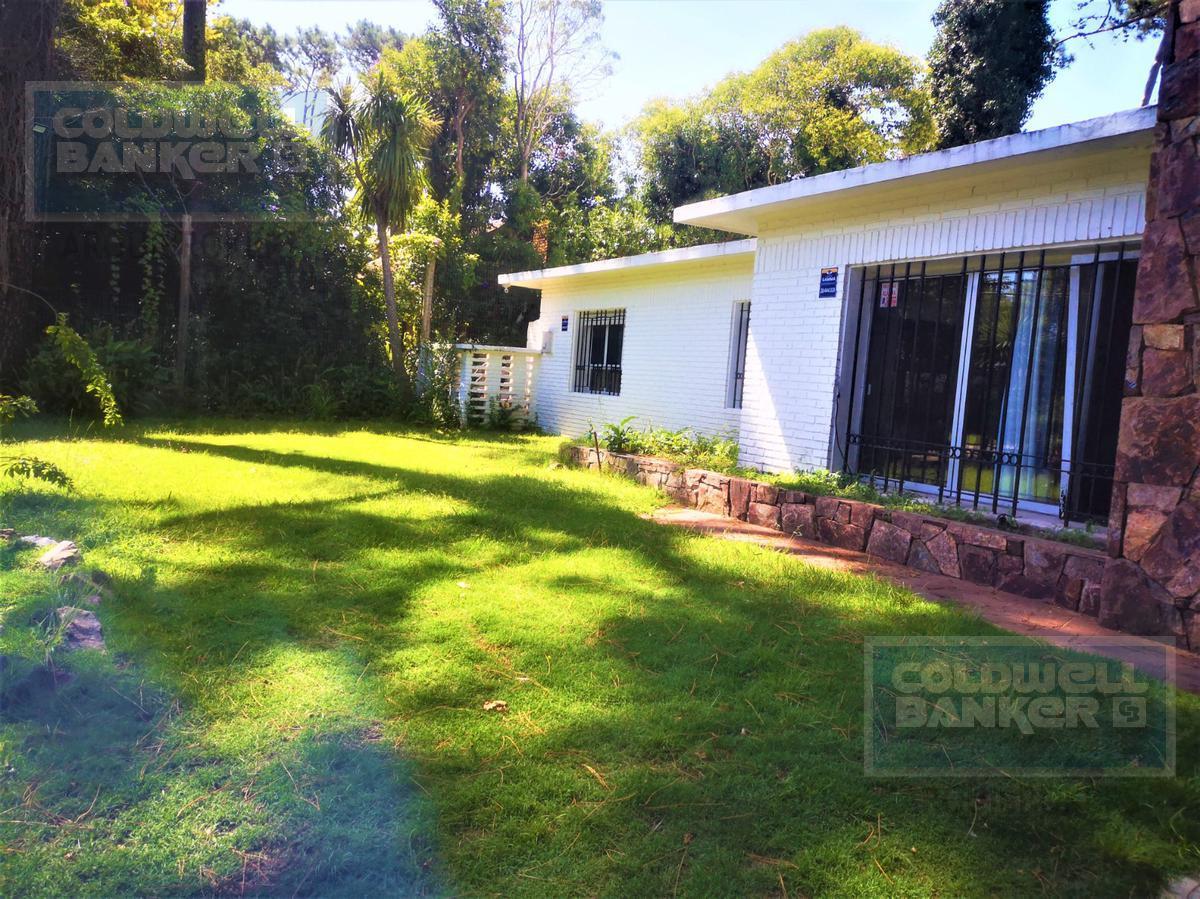 Foto Casa en Alquiler en  Playa Mansa,  Punta del Este  Casa de 4 dormitorios en alquiler en Punta del Este