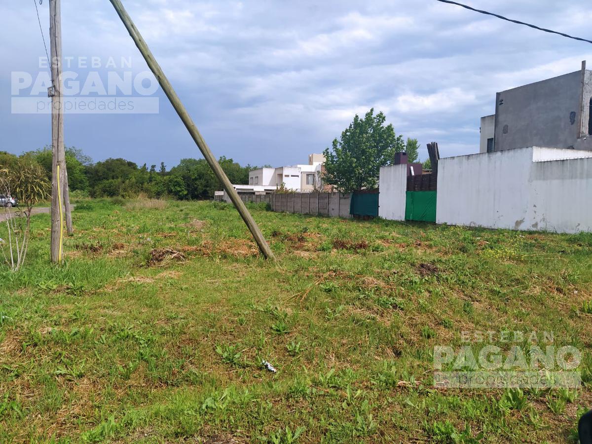 Foto Terreno en Venta en  José Hernández,  La Plata  514 esquina 134