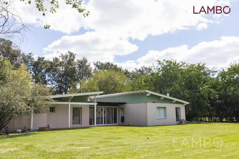 Foto Casa en Venta en  La Esperanza C. De Campo,  Countries/B.Cerrado (G. Rodriguez)  La Esperanza