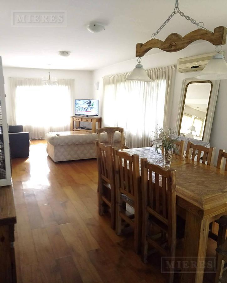 Oportunidad!! Gran Casa en el barrio Jacaranda