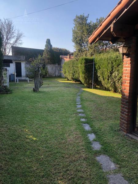 Foto Casa en Venta en  Lomas de Zamora Oeste,  Lomas De Zamora  Pereyra Lucena 800