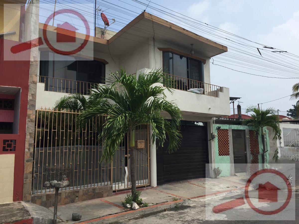 Foto Casa en Venta en  Unidad Veracruzana ,  Veracruz  Casa en Venta a unos pasos de Soriana MEGA Las Palmas y cerca del IMSS