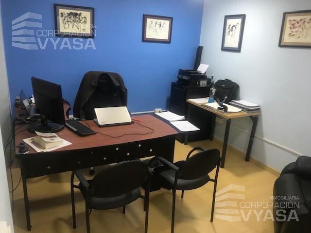 Foto Oficina en Alquiler en  Centro Norte,  Quito  Multicentro - Galdos y Yánez Pinzon, 3 Oficinas disponibles para compartir, 15m2 c/u.