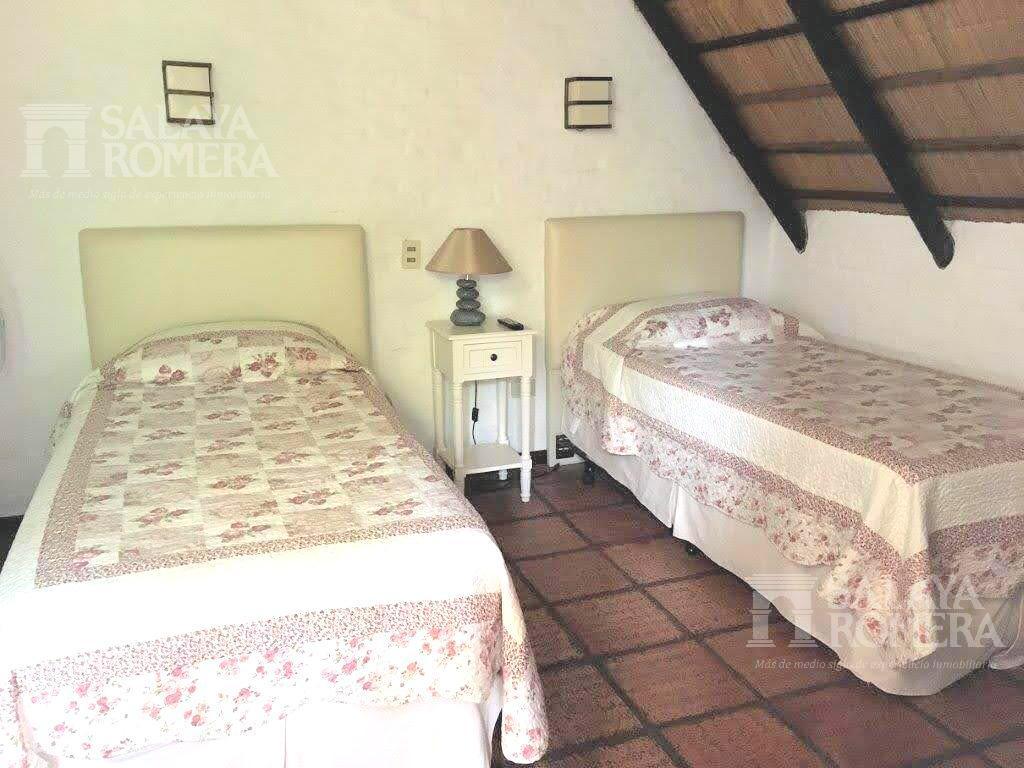 Foto Casa en Venta en  Punta del Este ,  Maldonado  VENTA:  CASA ZONA RESIDENCIAL PUNTA DEL ESTE