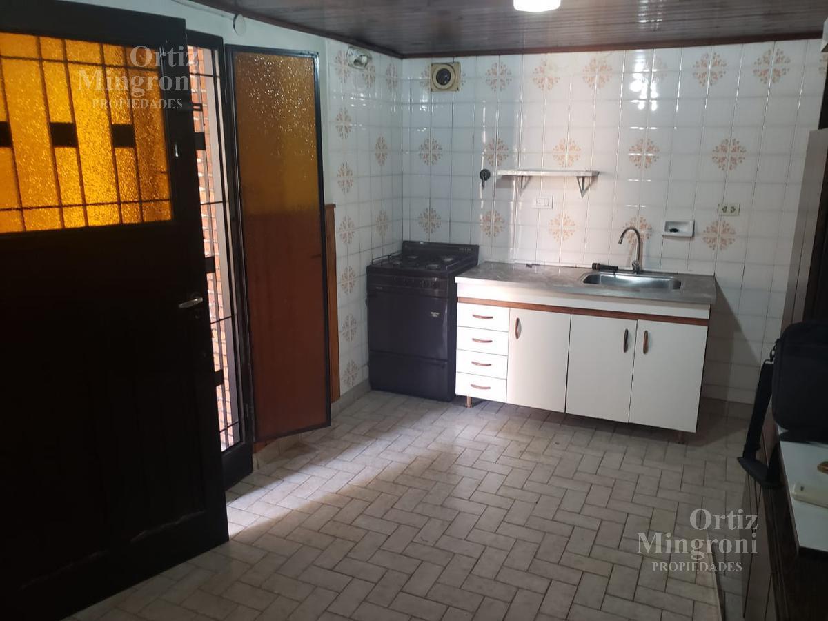 Foto Departamento en Alquiler en  Lomas de Zamora Oeste,  Lomas De Zamora  Oliden al 900