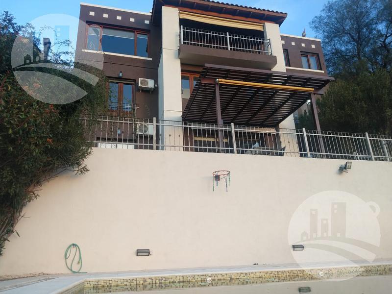 Foto Casa en Venta en  Villa Carlos Paz,  Punilla  Casa 4 hab. Excelente ubicación y vista