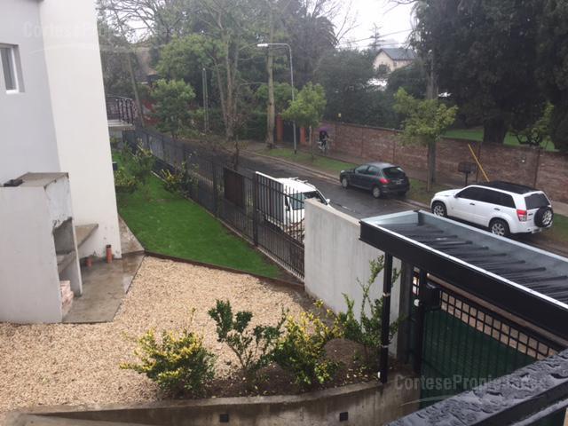 Foto Casa en Venta    en  Tigre ,  G.B.A. Zona Norte  Esmeralda 300, tigre.