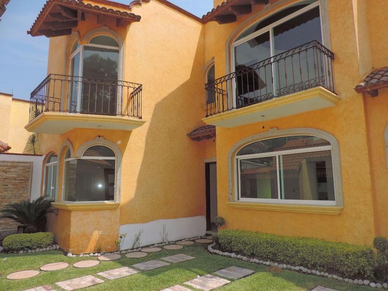 Foto Casa en Venta en  Fraccionamiento Lomas de Cuernavaca,  Temixco  Venta de Casa Sola con Alberca en Lomas de Cuernavaca …clave 2086