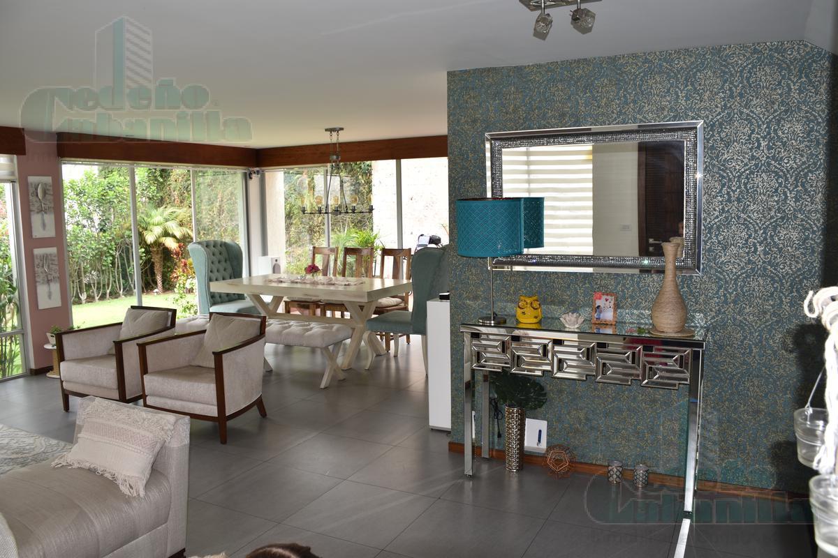 Foto Casa en Venta |  en  Cumbayá,  Quito  VENTA HERMOSA CASA EN SAN JUAN DE CUMBAYÁ