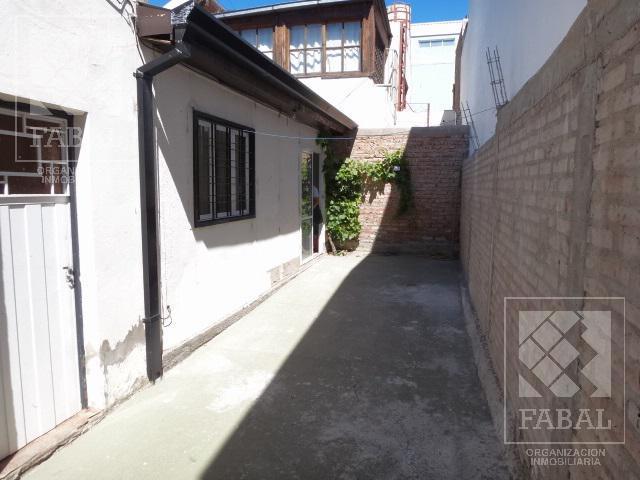 Foto Casa en Venta en  Área Centro Sur,  Capital  Perito Moreno 690