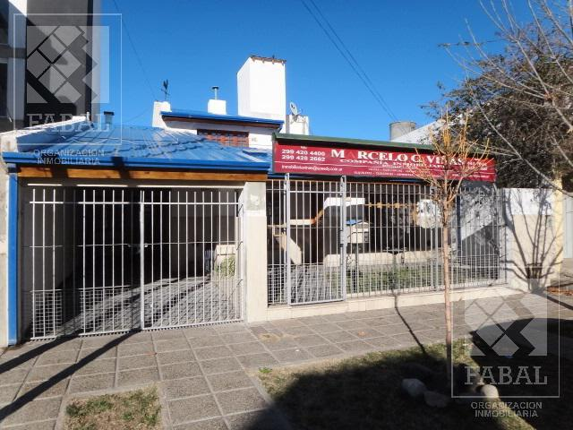 Foto Casa en Venta en  Cumelén ,  Capital  Roca 1616 - Cumelén