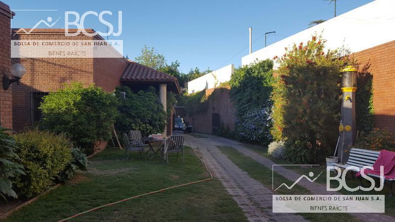 Foto Casa en Venta en  Capital ,  San Juan  Avenida Libertador al 600