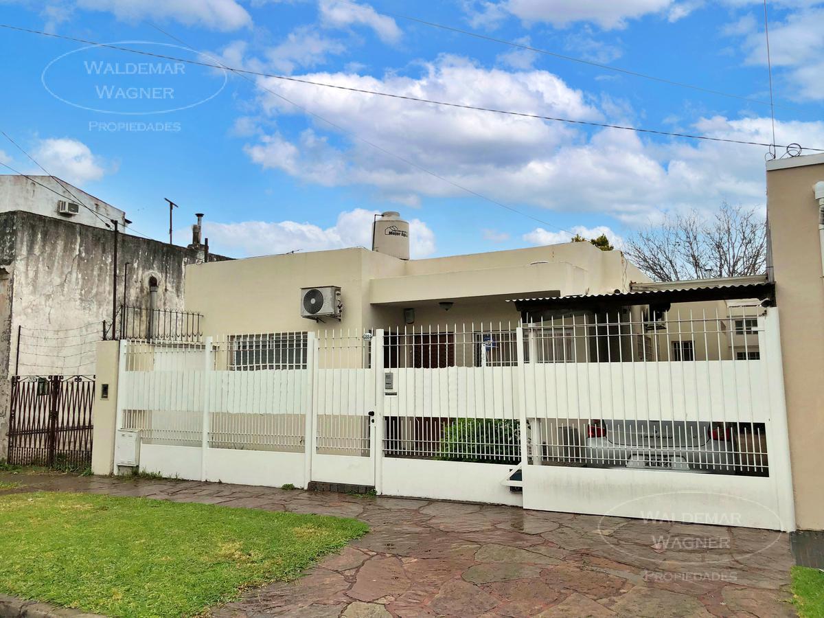 Foto Casa en Venta en  Carapachay,  Vicente López  Belgrano 3884