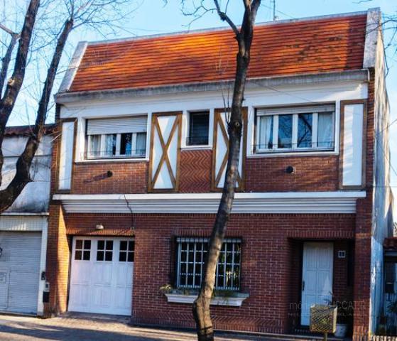 Foto Casa en Venta en  Banfield Oeste,  Banfield  Vieytes 720