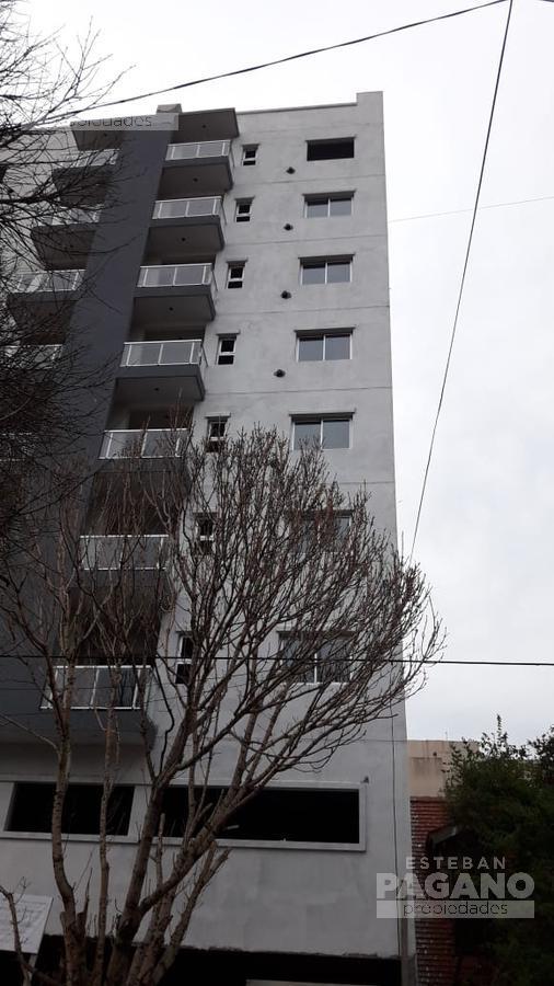 Foto Departamento en Venta en  La Plata,  La Plata  45 e 13 Y 14 N° 941 6to fte