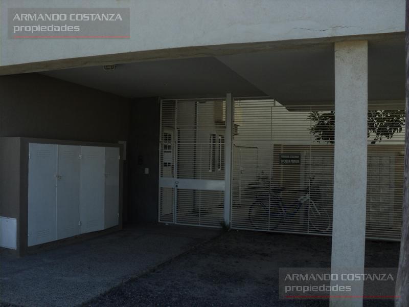 Foto Departamento en Venta en  Puerto Madryn,  Biedma  LEWIS JONES 383 UF4