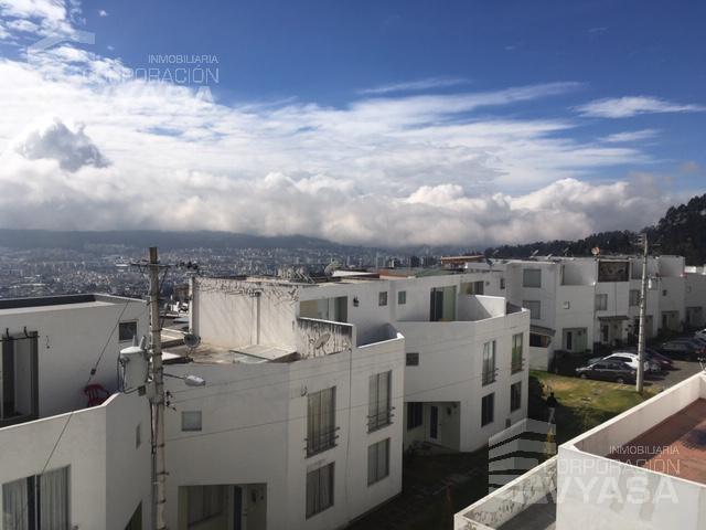 Foto Casa en Venta en  Norte de Quito,  Quito  EL PINAR ALTO - LINDA CASA DE VENTA DE 114.56 m2