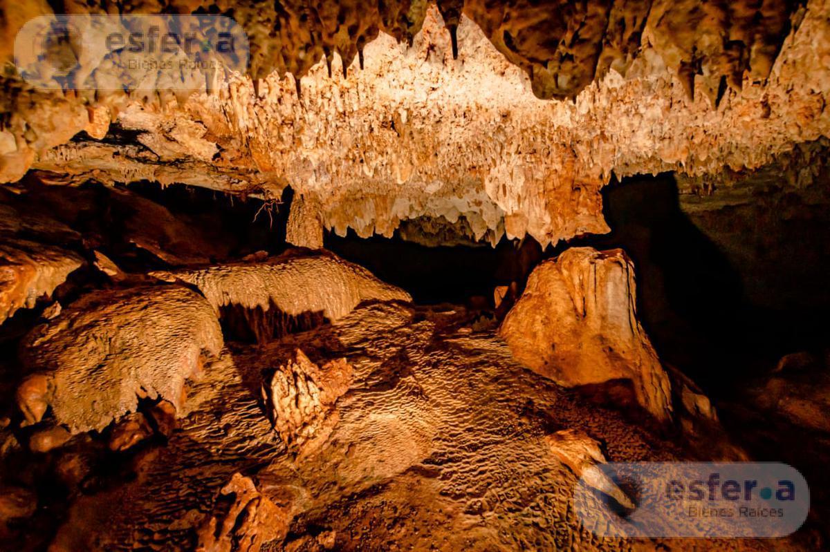 Foto Terreno en Venta en  Valladolid ,  Yucatán  Terreno con cenote y grutas en venta en la Valladolid