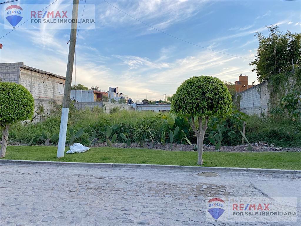 Foto Terreno en Venta en  Pueblo José G Parres,  Jiutepec  Venta de terreno plano, Junto a Kloster Sumiya...Clave 3353