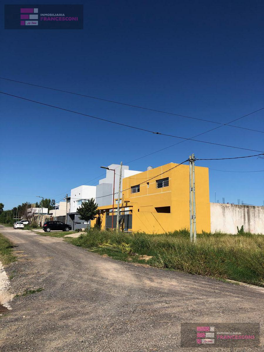 Foto Terreno en Venta en  Joaquin Gorina,  La Plata  482 y 132