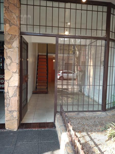 Foto Local en Alquiler en  Lomas de Zamora Oeste,  Lomas De Zamora  Manuel Castro al 300