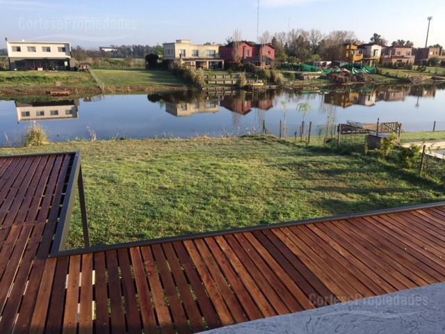 Foto Casa en Venta en  San Benito,  Villanueva  Barrio San Benito a la laguna!!