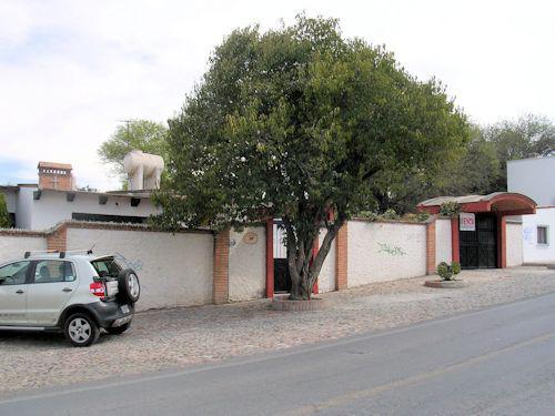 Foto Casa en Venta en  Barrio La Magdalena,  Tequisquiapan  Tres propiedades independientes en un terreno