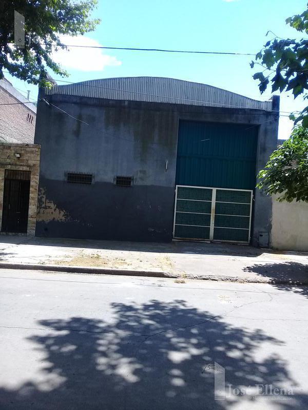 Foto Galpón en Venta en  Ludueña,  Rosario  Humberto Primo al 800