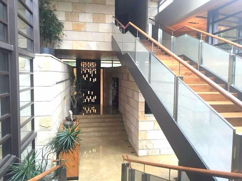 Foto Casa en Venta en  Bosques de las Lomas,  Cuajimalpa de Morelos  Casa en Venta con elevador en Residencial La Punta, Bosques de las  Lomas