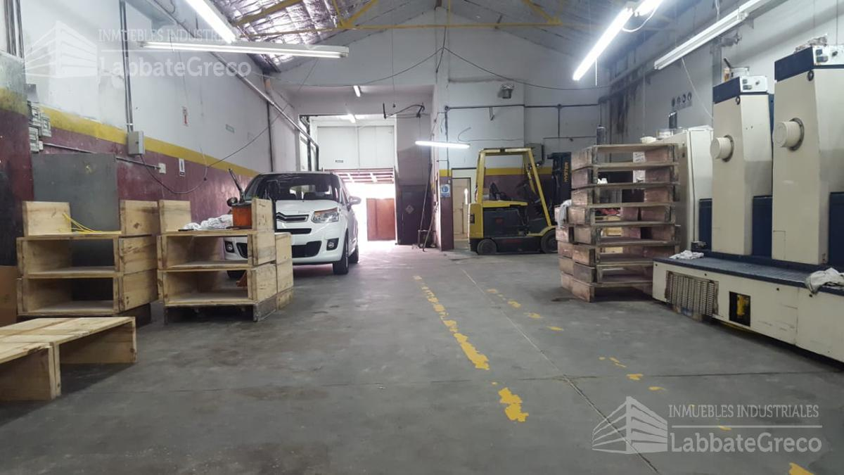 Foto Nave Industrial en Venta en  Munro,  Vicente Lopez  Almafuerte al 4200