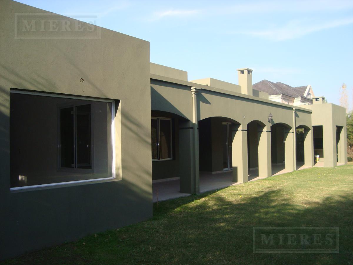 Casa de 165 mts en  Saint Matthews