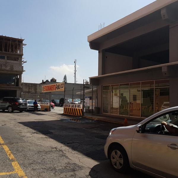 Foto Edificio Comercial en Renta en  Tlalnepantla  Centro,  Tlalnepantla de Baz  Tlalnepantla Local En Renta