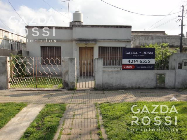 Foto Casa en Venta en  Adrogue,  Almirante Brown  Martín Rodriguez 1286