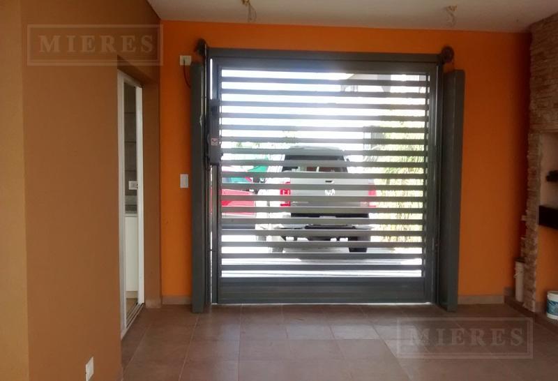 Casa en venta con renta en El Canton barrio Golf