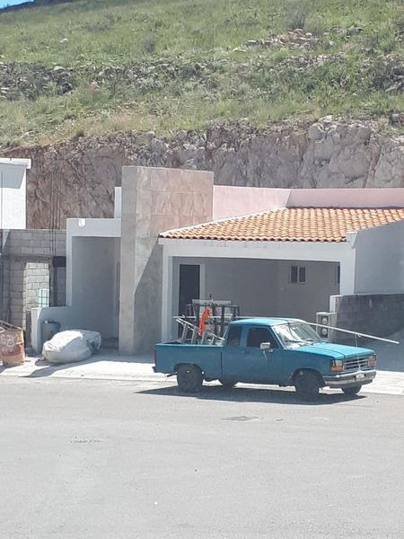 Foto Casa en Venta en  Fraccionamiento Rinconada de La Sierra,  Chihuahua  Casa Nueva Térmica Una Planta Fracc. Rinconadas de la Sierra