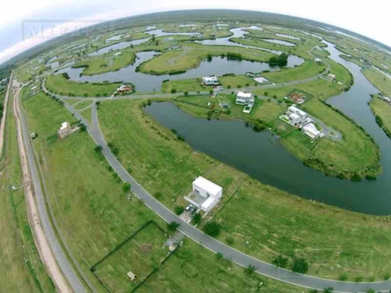 casa en venta a terminar   a la laguna El Canton Barrio Norte