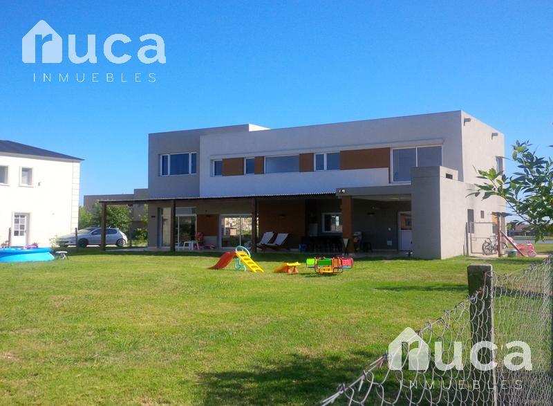Foto Casa en Venta en  San Marco,  Villanueva  Ruca Inmuebles | Hermosa casa a la LAGUNA!! | San Marco | Villanueva