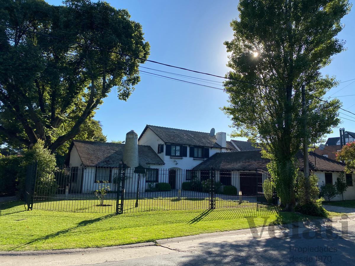 Foto Casa en Venta en  Los Troncos,  Mar Del Plata  Quintana 683