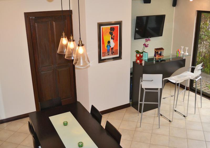 Foto Casa en condominio en Venta |  en  Escazu,  Escazu  SE VENDE, PRECIOSA CASA EN CONDOMINIO EN ESCAZU, EXCELENTE UBICACION.
