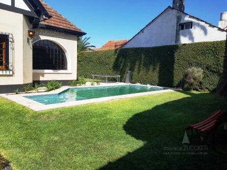 Foto Casa en Venta |  en  Temperley Este,  Temperley  Lucio V. Lopez 658