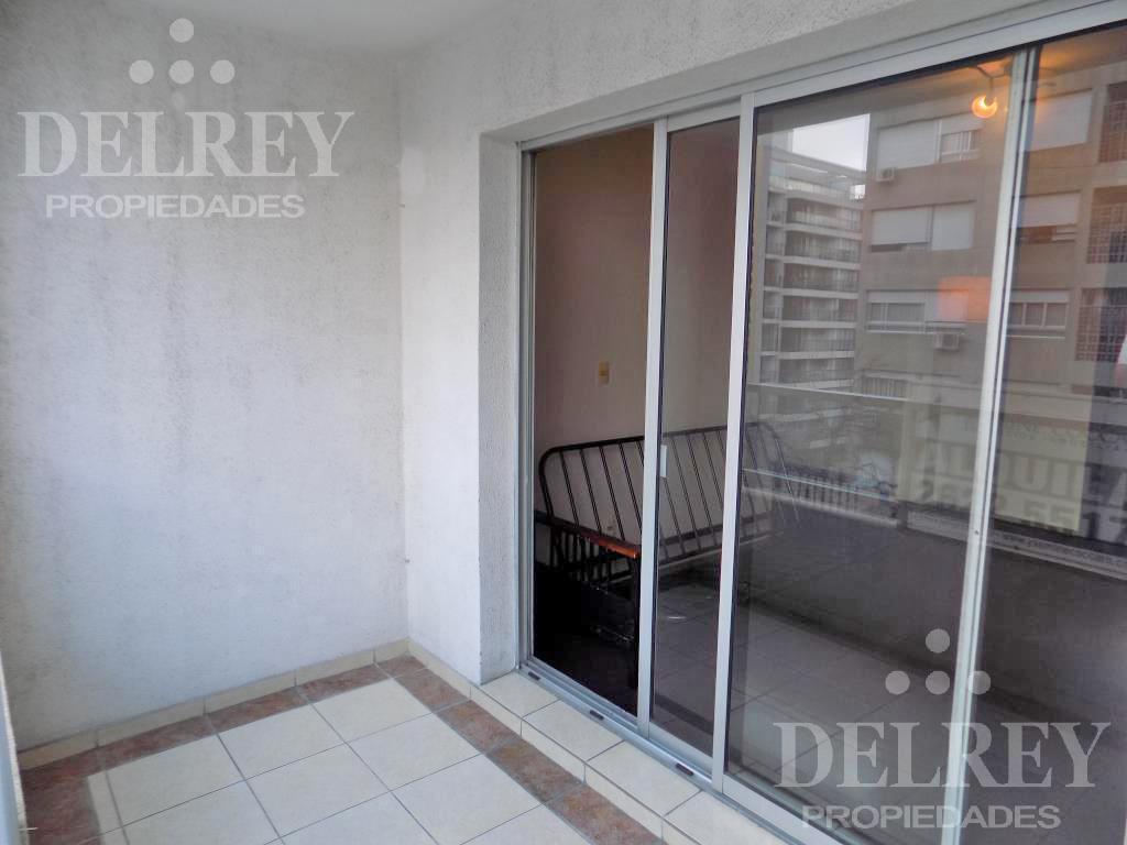 Foto Departamento en Alquiler en  Pocitos ,  Montevideo  Guayaqui y 26 Aprox