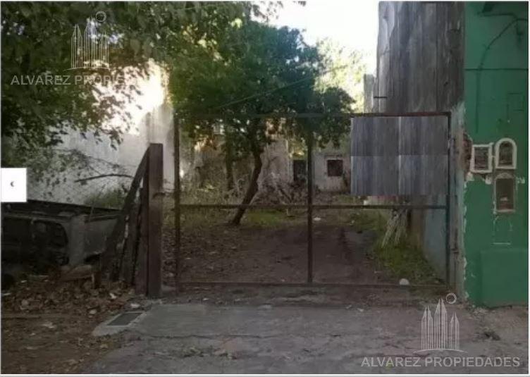 Foto Terreno en Venta en  Moron ,  G.B.A. Zona Oeste  Rawson al 600