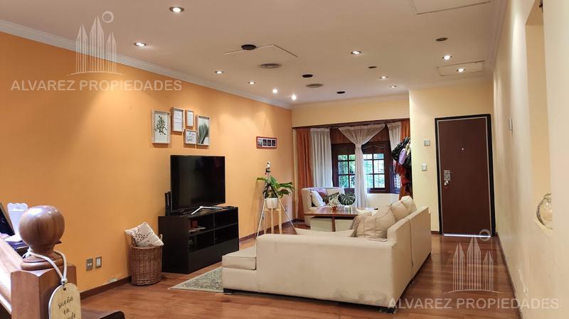 Foto Casa en Venta en  Caseros,  Tres De Febrero  Wenceslao de Tata al 4800 Impecable