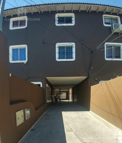 Foto PH en Venta en  Villa Santos Tesei,  Hurlingham  Las Tunas al 5000