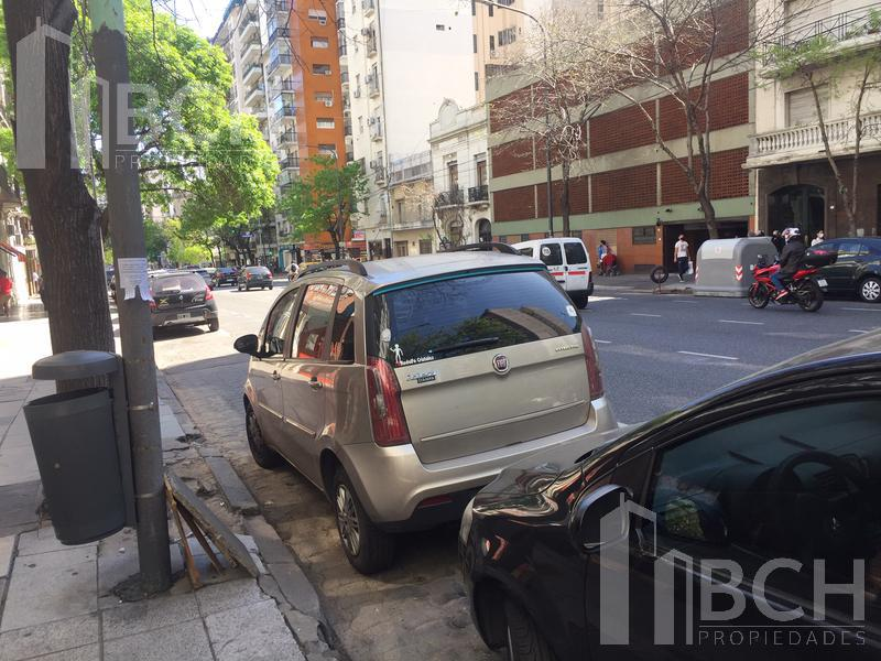 Foto Local en Alquiler en  Almagro ,  Capital Federal  Av. Rivadavia al 4100